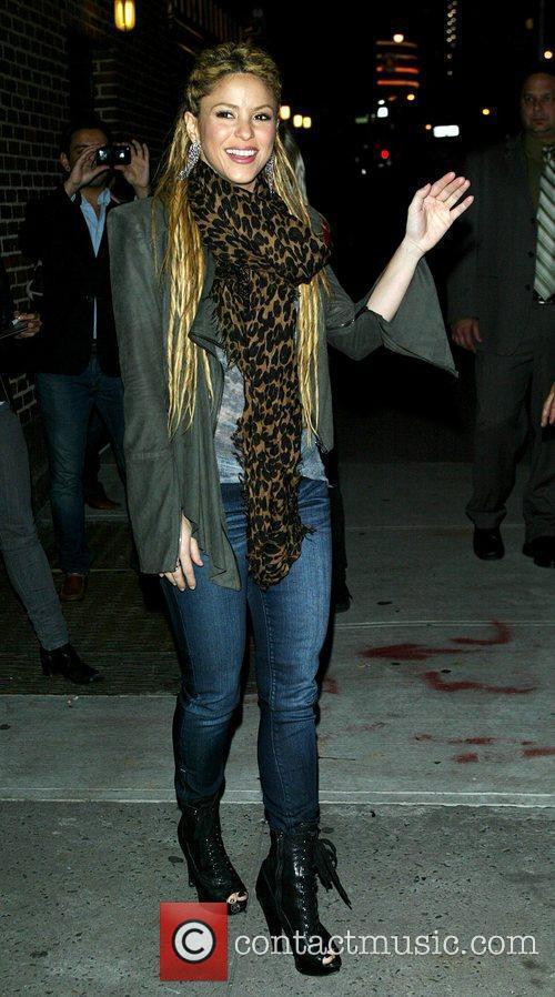 Shakira and David Letterman 20