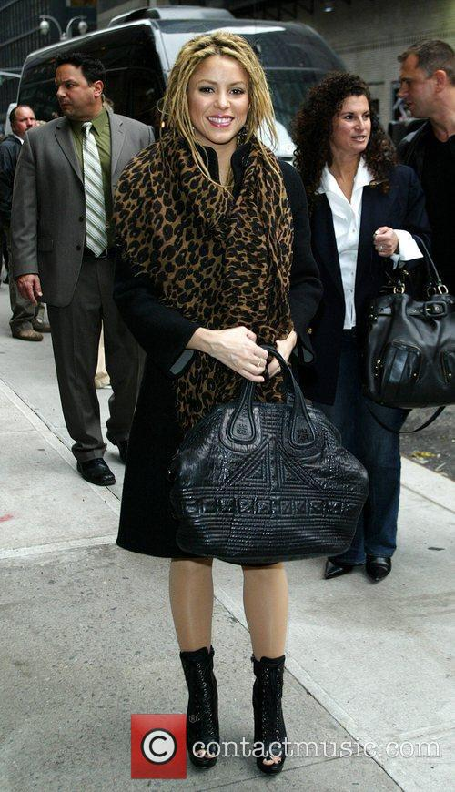 Shakira and David Letterman 25