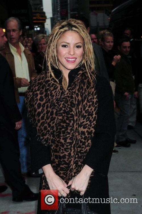 Shakira and David Letterman 35
