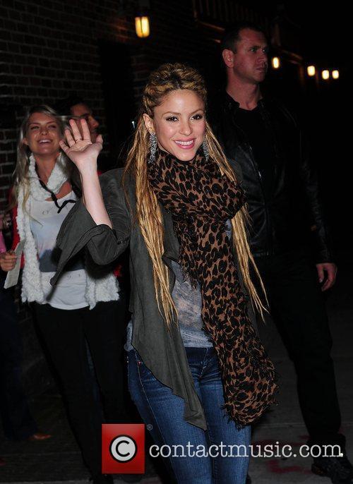 Shakira and David Letterman 40