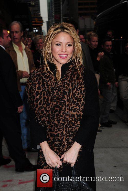 Shakira and David Letterman 37