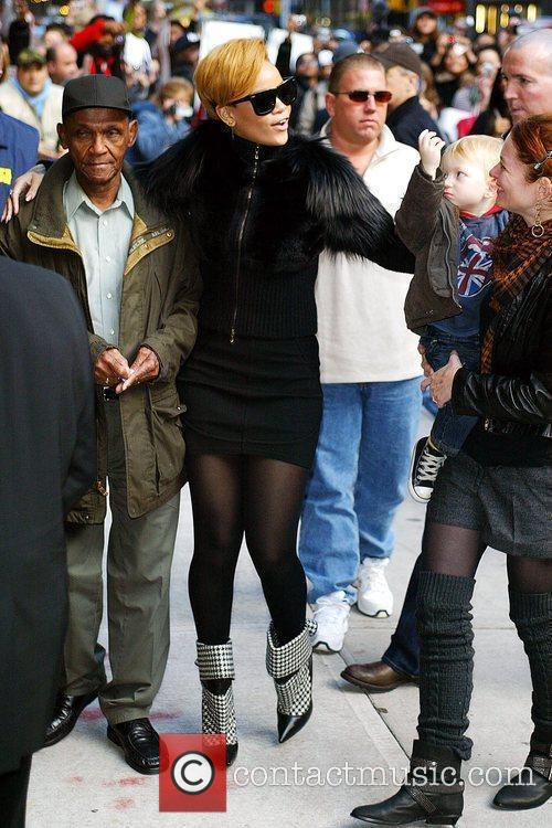 Rihanna and David Letterman 18