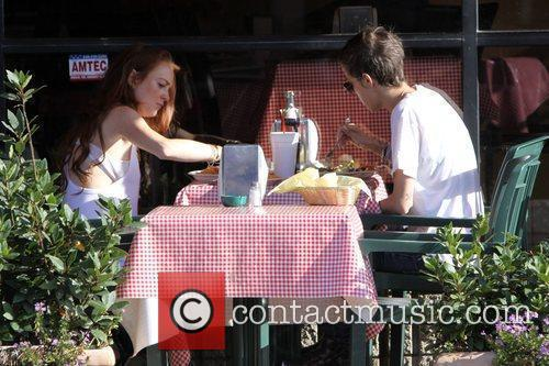 Lindsay Lohan and Samantha Ronson have lunch together...