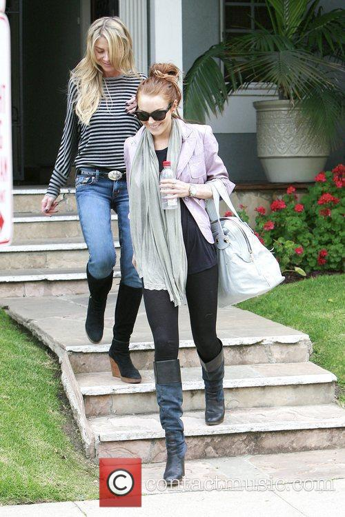 Lindsay Lohan apartment hunting in Beverly Hills