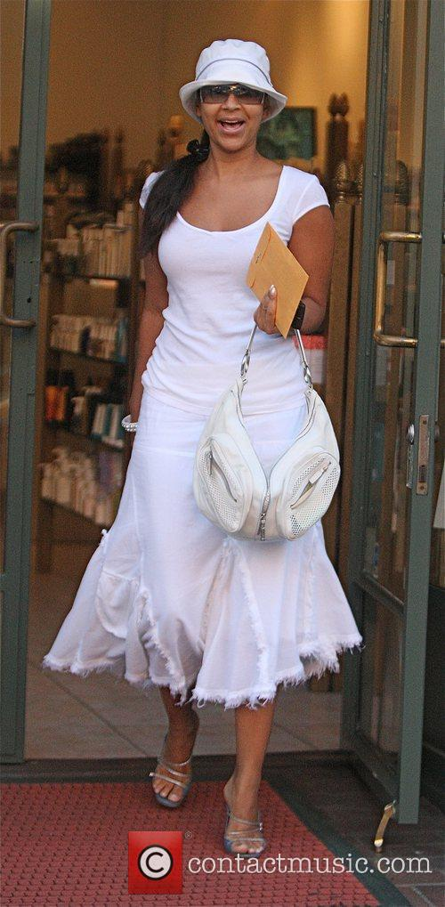 LisaRaye McCoy-Misick leaving Longmi Hair salon