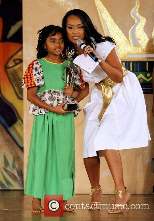 Lisaraye McCoy and contestant The 16th Annual Little...
