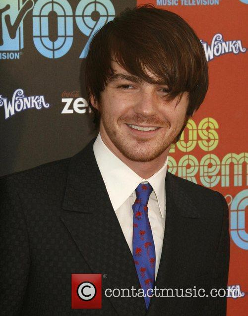 Drake Bell and Mtv 2