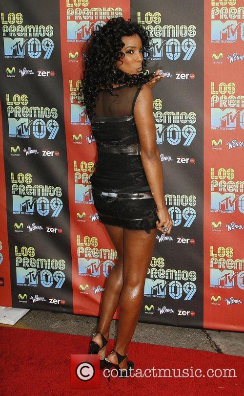 Kelly Rowland and Mtv 7