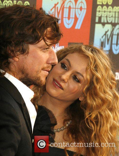 Paulina Rubio and Mtv 2
