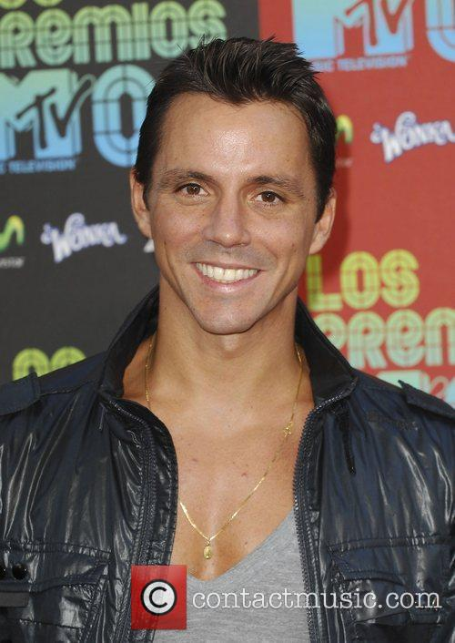 Enrique Sapene and Mtv 10