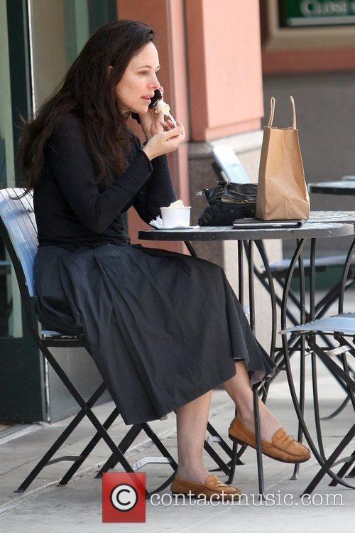 Madeleine Stowe Enjoys A Frozen Yoghurt At A Cafe In Beverly Hills 4