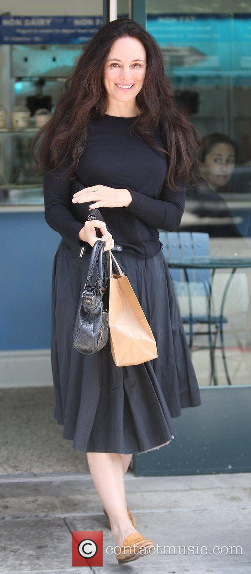 Madeleine Stowe Enjoys A Frozen Yoghurt At A Cafe In Beverly Hills 3