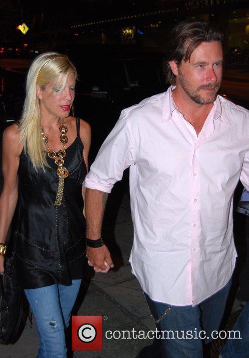 Tori Spelling and Husband Dean Mcdermott 1