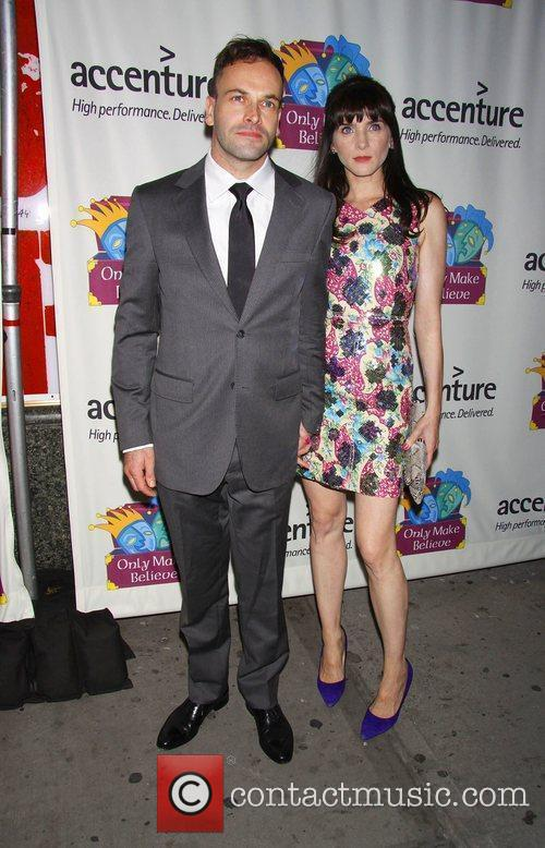 Jonny Lee Miller and His Wife Michele Hicks 1
