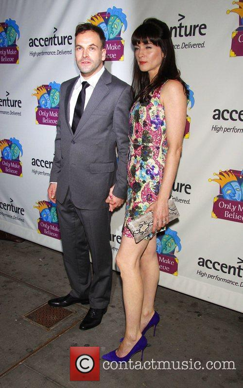 Jonny Lee Miller and His Wife Michele Hicks 3