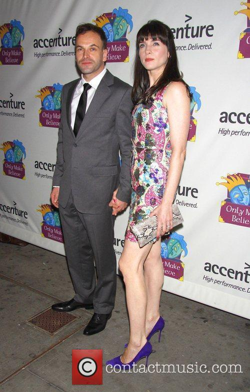Jonny Lee Miller and His Wife Michele Hicks 2