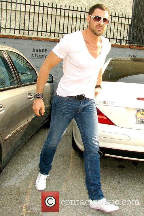 Maksim Chmerkovskiy and Dancing With The Stars 8
