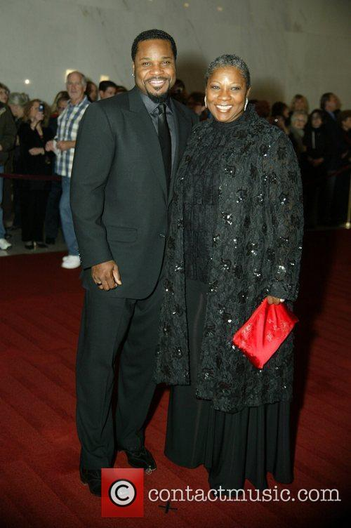 malcolm jamal warner with his mother 2630973