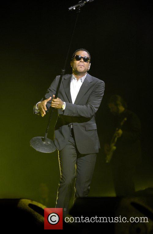 Maxwell Performing His 'blacksummers'night' Tour At The Air Canada Centre 4