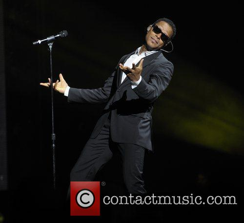 Maxwell Performing His 'blacksummers'night' Tour At The Air Canada Centre 2