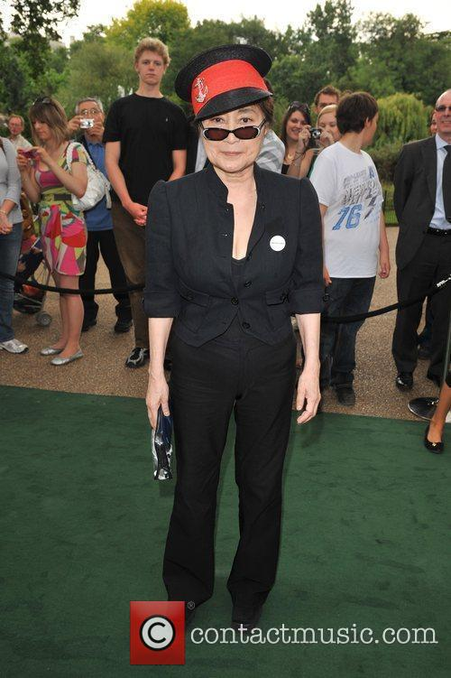 Yoko Ono and Stella Mccartney 1