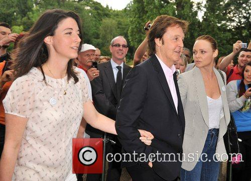 Sir Paul Mccartney and Stella Mccartney 2