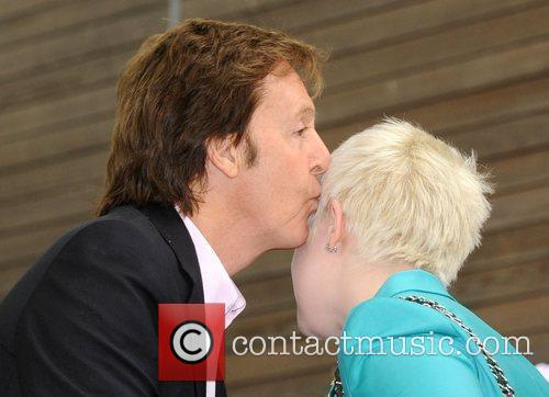 Sir Paul Mccartney and Kelly Osbourne 9