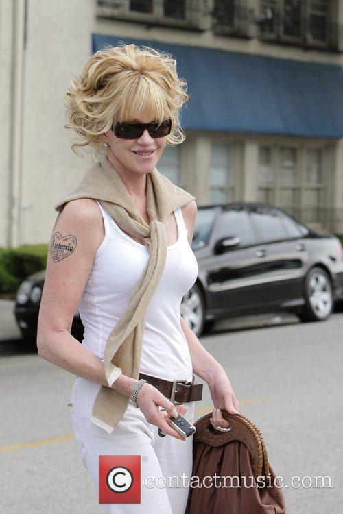 Melanie Griffith and Her Two Daughters Leaving Neil George Salon In Beverly Hills 8