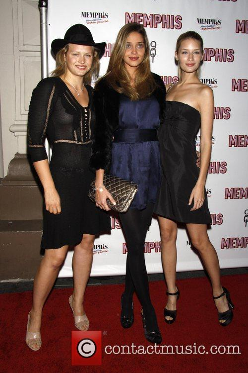 Models pose with Ana Beatriz Barros (c) Opening...