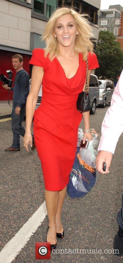 Ashley Roberts Leaving The Metropolitan Hotel 1
