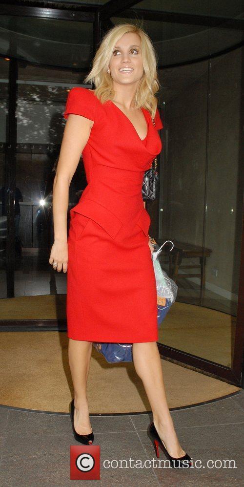 Ashley Roberts Leaving The Metropolitan Hotel 3