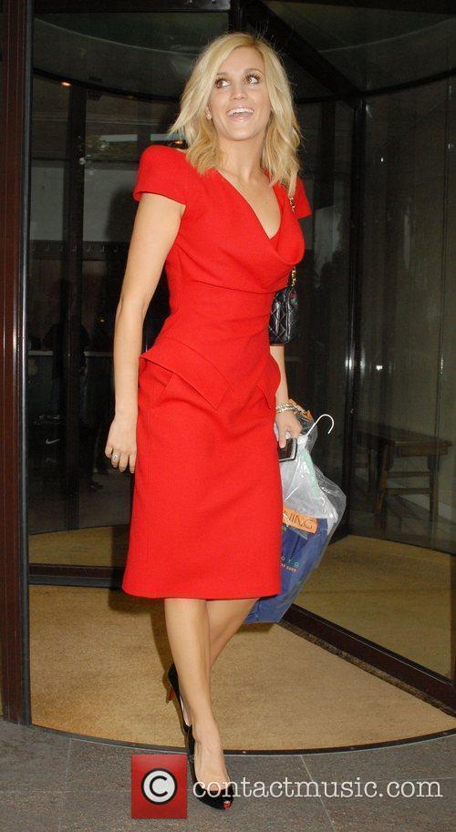 Ashley Roberts Leaving The Metropolitan Hotel 4