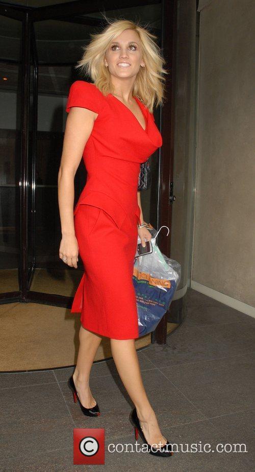 Ashley Roberts Leaving The Metropolitan Hotel 5