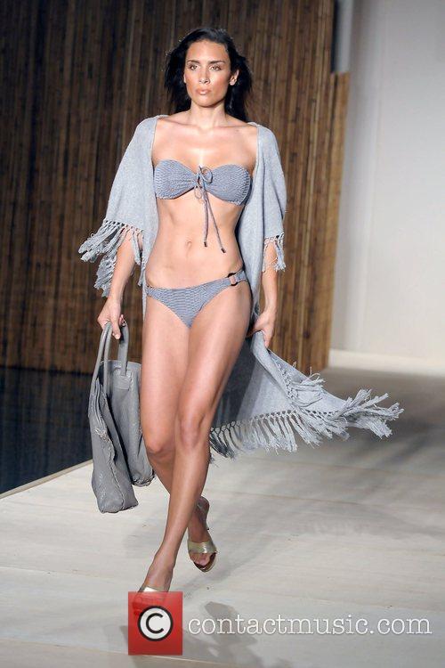 Model Mercedes-Benz Fashion Week Swim - Inca 2010...