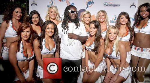 T-pain and The Miami Dolphins Cheerleaders 1