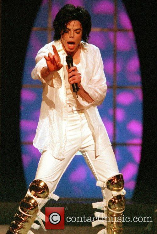 Michael Jackson: 30th Anniversary Special (CBS): November 13, 2001