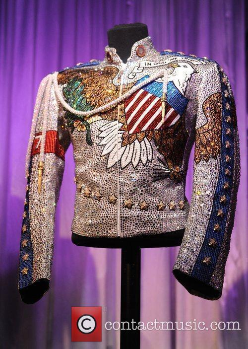 Jacket Michael Jackson's This Is It Exhibition...