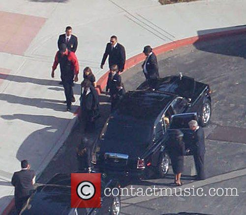 Jackson Family Arrive and Michael Jackson 1