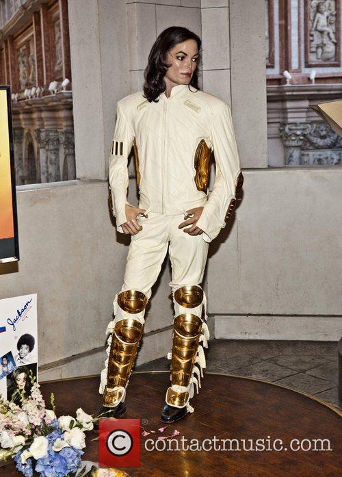 Michael Jackson and Madame Tussauds 5