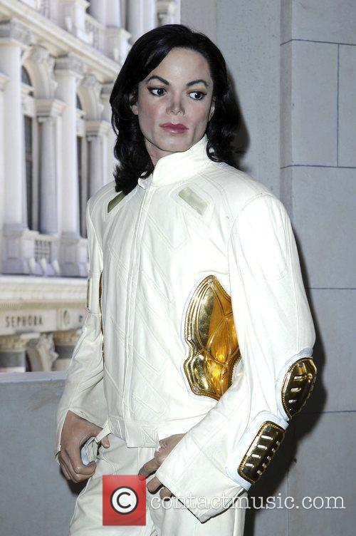 The Michael Jackson figure outside of Madame Tussauds...