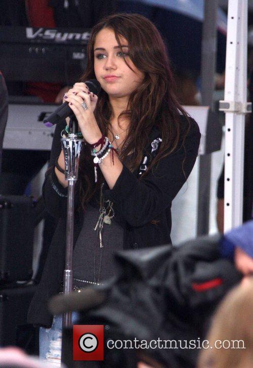 Miley Cyrus, Rockefeller Plaza