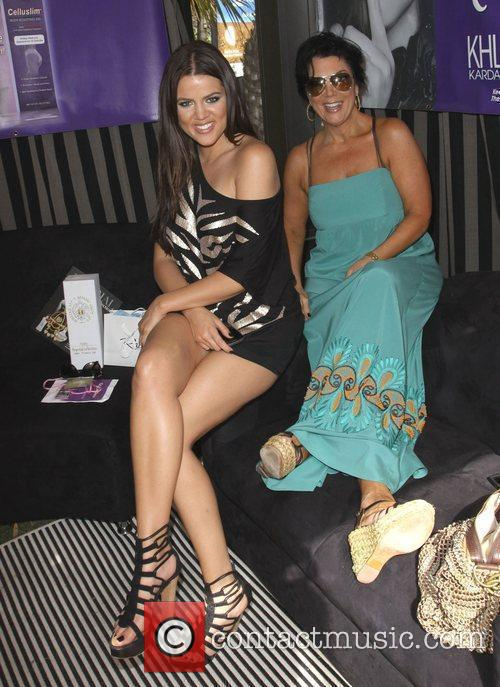 Khloe Kardashian and Mother Kris Jenner 3