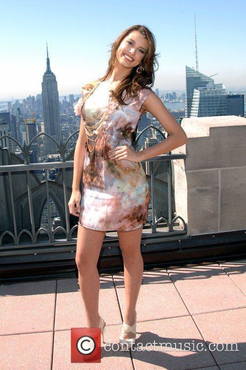 Stefania Fernandez 6