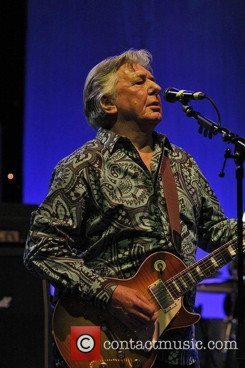 Mick Ralphs Of Mott The Hoople Performs At The Hammersmith Apollo As Part Of The Band's 40th Anniversary Reunion Tour 2