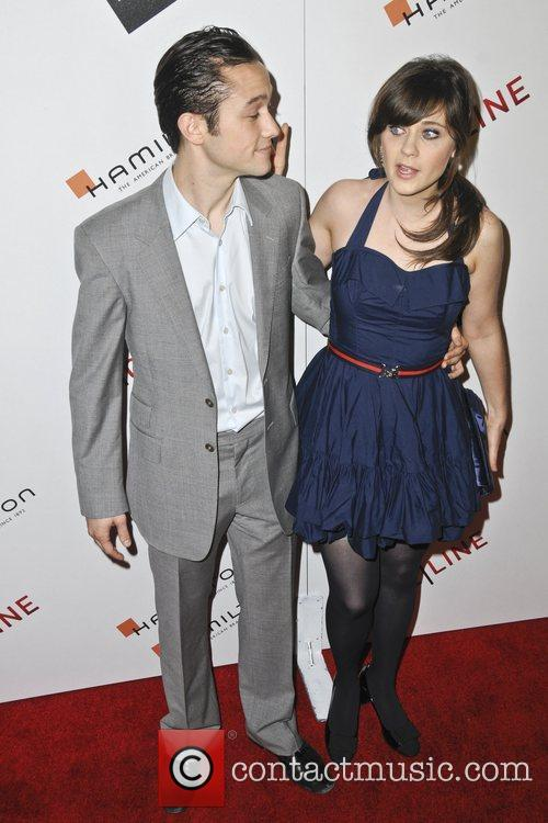Joseph-gordon Levitt and Zooey Deschanel 4