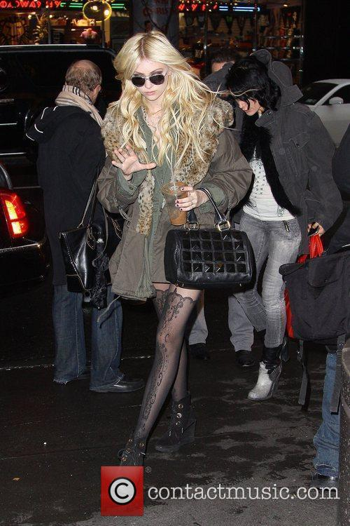 Taylor Momsen and MTV 12