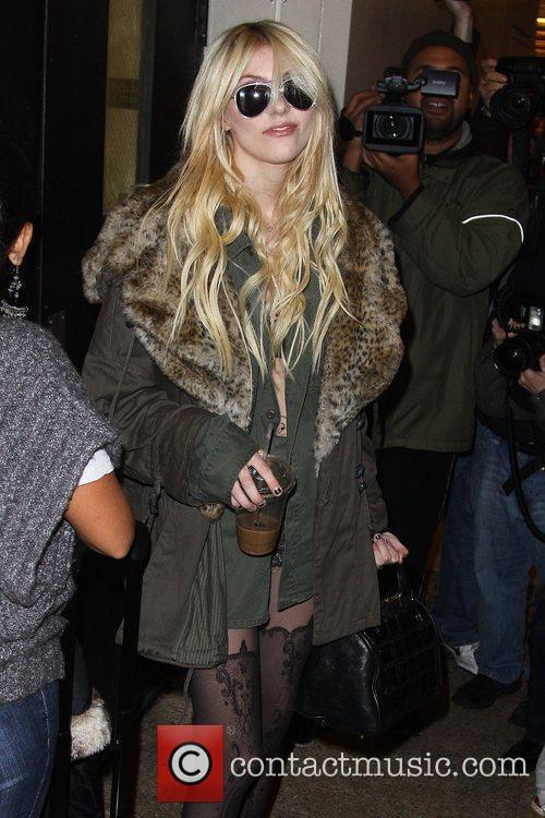 Taylor Momsen and Mtv 11