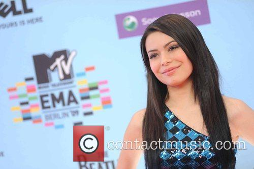Miranda Cosgrove and Mtv 3