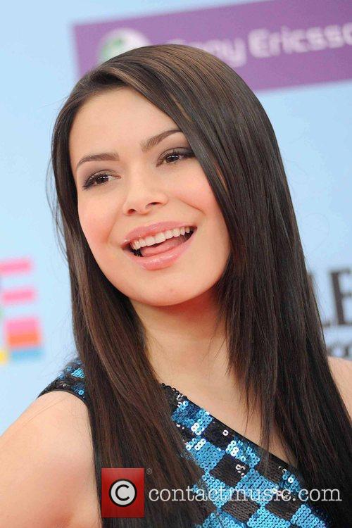 Miranda Cosgrove and Mtv 4
