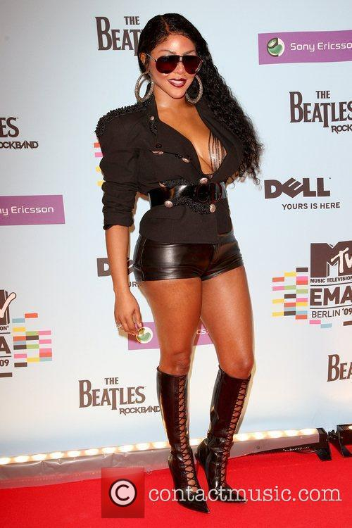 Lil Kim, Mtv and Mtv european music awards 1